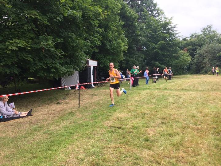 Roy Reeder pushing to the finish