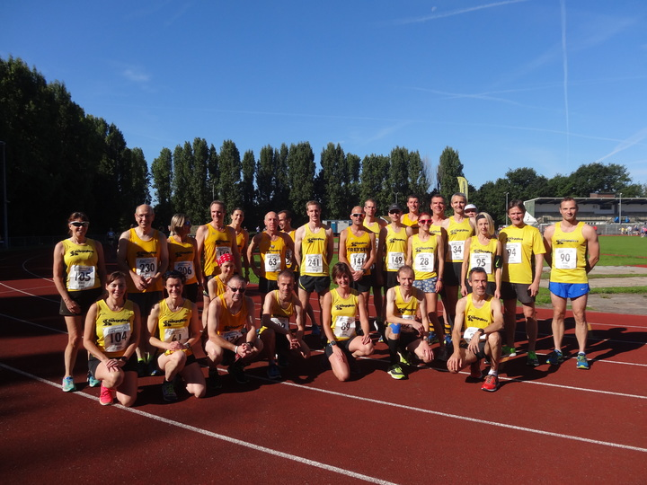 Pre-race team photo