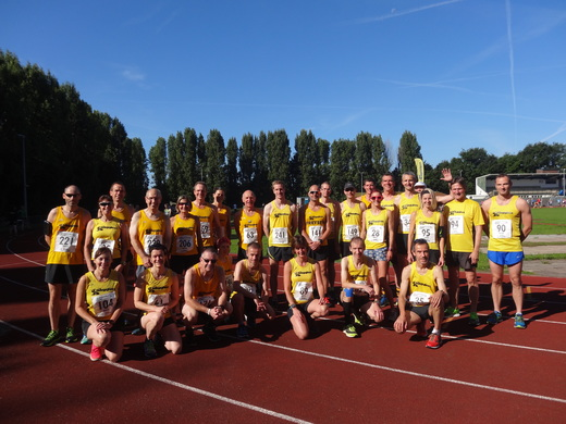 Pre race team photo