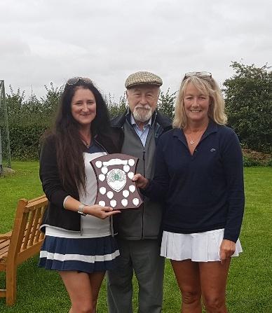 Shady & Erika - Ladies Doubles Winners 2017