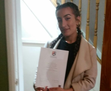 Eshana Kapoor with her Degree Certificate