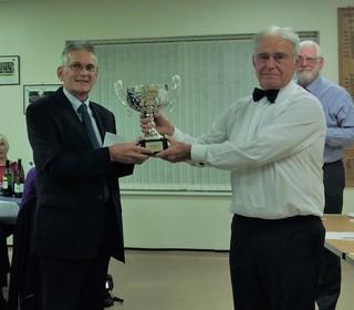 Geoff celebtaes dethroning Gordon - Short Mat Singles Winner