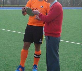 Men's 2s Captain, Stu Richardson, Receives the Men's Plate