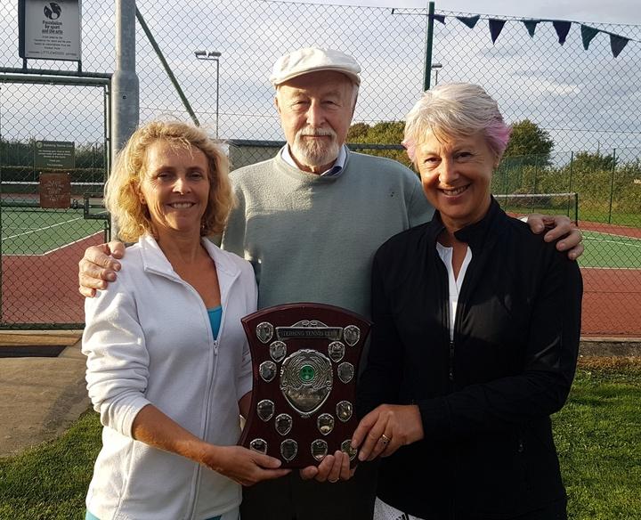 Tracy & Jan - Ladies Doubles Winners 2018