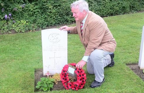 DCC Sewell_gravestone