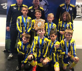 RTYFC Cougars U9s presented with the EDMSL Fair Play Award
