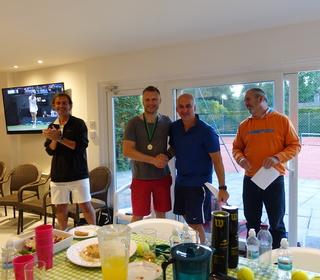 Dennis wins a runners up medal