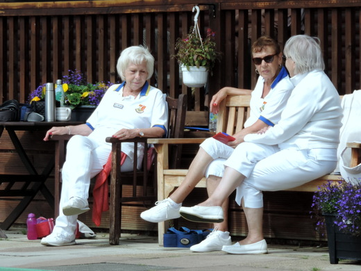 Pity we have to spoil a good chat by playing bowls...
