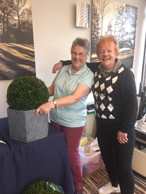 Patricia Sewell our incomming Captain presented Sue with a lovely gift to thank her for her year