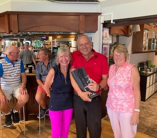 1st Gentleman with a score of 44 stableford points - Steve Worsfold