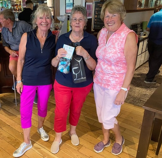 1st Lady - Sue Jelley with a score of 44 stableford points