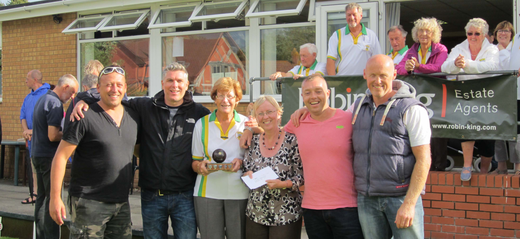 Winners were Clickers Clan, pictured with Val Harding and Gill Fraser from sponsor Robin King