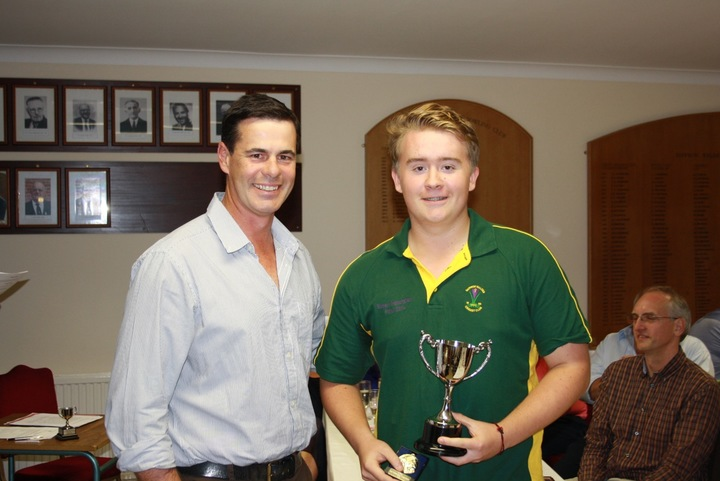 Jason Gallian presents Jonny Brace with the Ron Muggeridge Trophy for the Most Outstanding Young Plawer in Senior Cricket