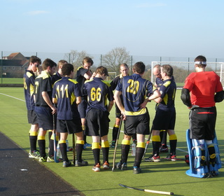 Half time team talk v Swindon As 29 Nov 14 (A) W4-1