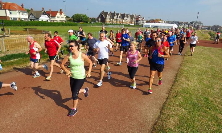 At 9.01 the Gorleston Cliffs parkrun has just started and three Dereham Runners are in camera shot (4-7-15)