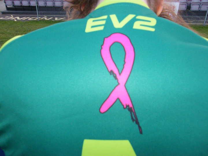Logo on Goalkeeper shirt