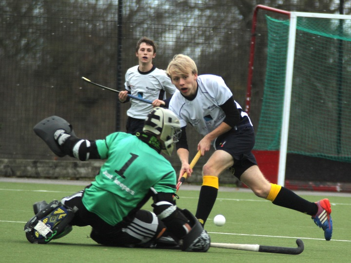 U18 Buccaneer Josh Haines sets up another scoring chance.